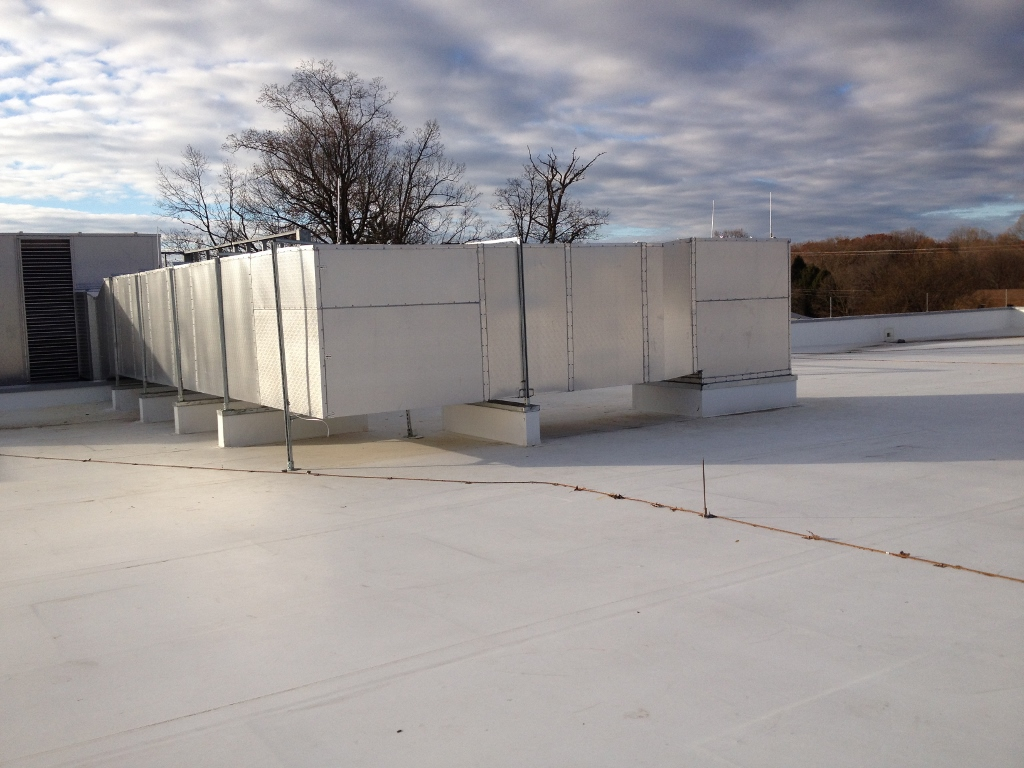 Rooftop Ductwork for a Medical Facility